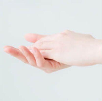 レヴィーガ モイスチュアセラムの使い方 清潔な手